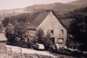 Chronik-Hausansicht-Sommer
