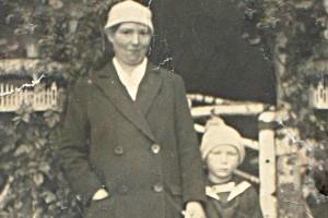 Chronik-Karl-mit-Mutter
